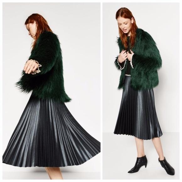 1117810b6 NWOT Zara Metallic Green Pleated Midi Skirt. M_5a4c1663a4c48549930a453e